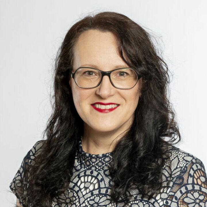 Carola Weiss